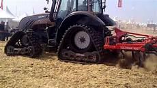 Vid 233 O Tracteur Valtra T 213 Avec Chenilles
