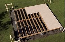 construction d une remise en bois construire une remise de jardin rona