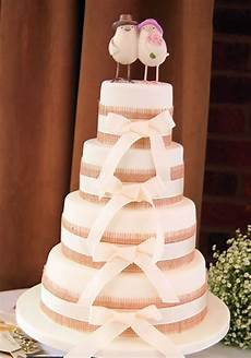 6 simple and sweet ideas to decorate your wedding cake