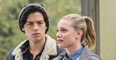 Cole Sprouse Freundin - are lili reinhart cole sprouse dating paleyfest 2018