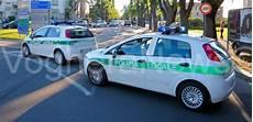 polizia locale di pavia voghera 09 11 2017 investe un pedone e scappa la polizia