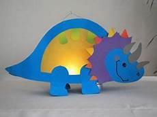 idee voor het maken een lion dinosaurus