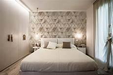tappezzeria da parete carta da parati dietro al letto 16 soluzioni