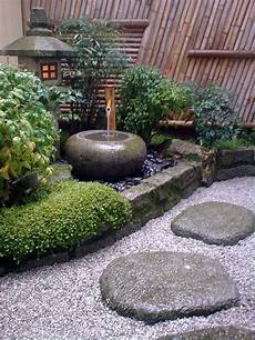 Zen Garten Pflanzen - traditional japanese courtyard small japanese garden