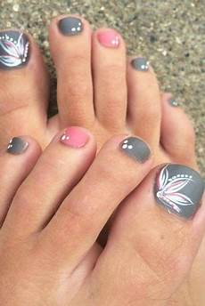 nail designs for truly fashionable chicks who follow the