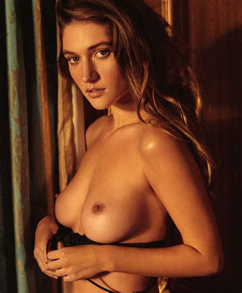 Elizabeth Ho Nude