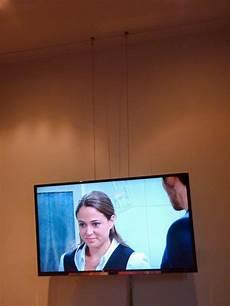 fernseher aufhängen höhe a bissl der h 228 ngende fernseher