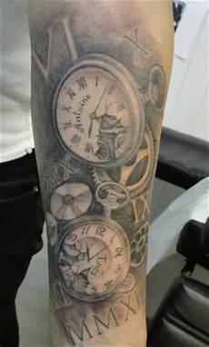 tatouage montre a gousset avant bras tatouages insolites studio