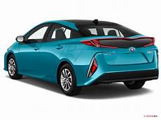 Voiture Neuve Toyota Prius Pro Hybride Rechargeable Solar