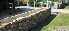 feldsteinmauer selber bauen galabau helms egestorf nordheide friesenwall natursteinmauer
