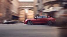 volvo to restrict speed limit of its cars to 180 kph by 2020