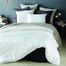 parure de lit en blanc 240x260 maisons du monde