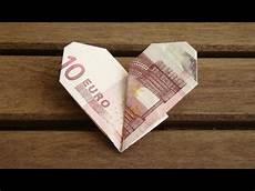 herz aus geld geldscheine falten herz