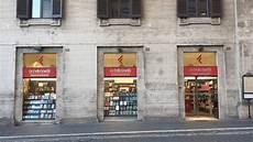 feltrinelli libreria roma roma la crisi delle librerie continua chiudono due