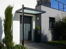 avant toit porte d entrée freitragendes glas vordach dura plus mit dachneigung