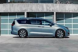 2017 Chrysler Pacifica Hybrid First Drive Review  Autotrader