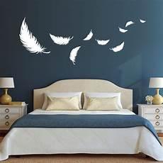 schlafzimmer wände gestalten federn schlafzimmer raumgestaltung wandtattoo
