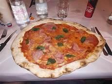 pizzeria leggera pavia pizza rossa foto di locanda pastore