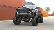 2020 gmc 2500 lifted the is alive the 2020 gmc 3500hd is beastly