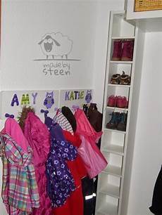 Pin By Larose Ennoir On M 246 Bel Kinder Schuhe Garderobe
