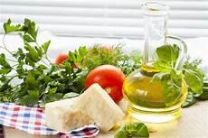 a beginner s guide to the mediterranean diet get healthy u