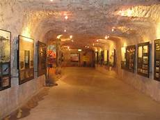 get australia the travelling wilsons coober pedy