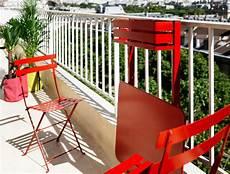 table pour petit balcon table pliante balcon bistro rabattable 77 x 64 cm