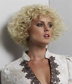 short hairstyles for narrow face shapes and for rounded face shapes