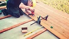 Bodenbelag Für Draußen - welches holz eignet sich als bodenbelag f 252 r balkon oder