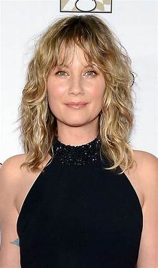 side hairstyles for medium length hair 35 layered hairstyles for medium length hair hairstyles