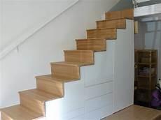 escalier avec rangements pour chambre d enfant