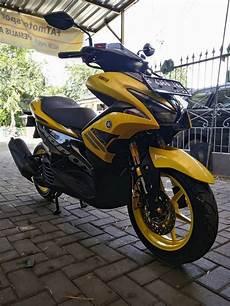 Modifikasi Aerox by Modifikasi Yamaha Aerox 155 Kuning Pakai Dan