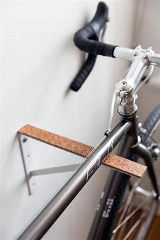 Fahrrad Wandhalterung Selber Bauen - a blank canvas for color with stacks of secret storage