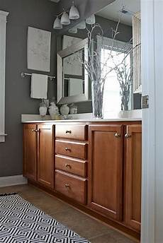 Bathroom Ideas With Oak Cabinets by 51 Best Honey Oak Cabinets And Floors Images On