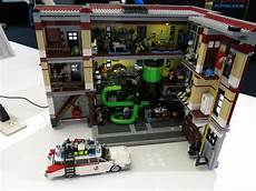 lego ghostbusters firehouse pc that can even open to show