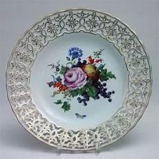 keramik teller bunt meissen gro 223 er durchbruchteller alte blumenmalerei bunt