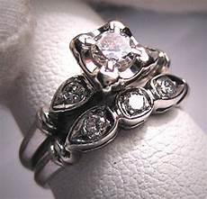 platinum wedding ring vintage art deco band
