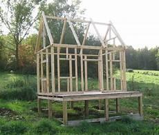 cabane enfant auto construction d une maison en bois massif