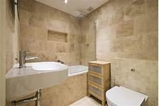 carrelage salle de bain travertin carrelage travertin salle de bain et comment le choisir