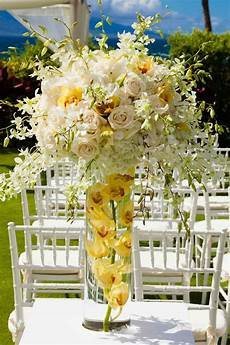 the loveliest pale yellow wedding ideas modwedding