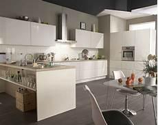 cuisine blanche laquée cuisine equipee facades blanc laque cuisine flash but