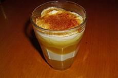 Dessert Aus Quark Mit Apfelmus Und Sahne Rezept Mit Bild