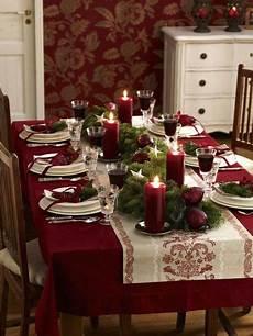 weihnachtstisch festlich dekorieren festliche weihnachtstafel gestalten tischdekoration