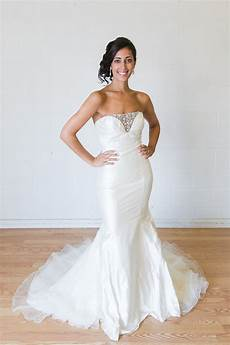 Rented Wedding Gowns the pros and cons of a wedding dress rental