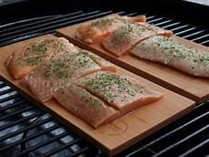 lachs auf grill grillen ohne alufolie so gelingen auch feta fisch und