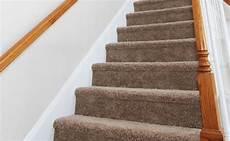 Pose Moquette Escalier Comment Poser De La Moquette Sur Les Escaliers