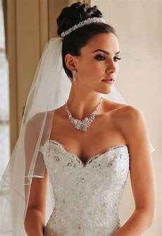 Brautfrisuren Mit Diadem Hochgesteckt Future Wedding In