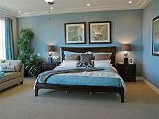 Bedroom Color Ideas For Wood Furniture by Soothing And Stately This Traditional Bedroom Pairs