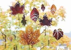 Basteln Mit Herbstblättern - diy mobile aus herbstbl 228 ttern s bastelkistle herbst