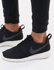 nike roshe run sneakers in black 511881 010 asos